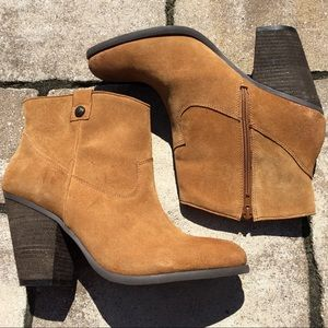 Vince Camuto 'Hammerton' Suede Tan Ankle Booties